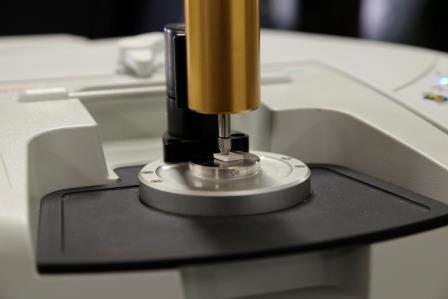 Spettrofotometro FT-IR